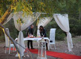 Bodrum Kumsalda Evlilik Teklifi Organizasyonu Gazebo ve Tül Süsleme İzmir Organizasyon