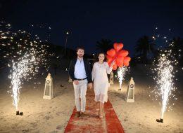 Kırmızı Kalpli Uçan Balon ile Evlilik Teklifi Organizasyonu İzmir