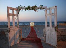 Sahil Kenarında Evlilik Teklifi Organizasyonu Çiçek Süsleme İzmir