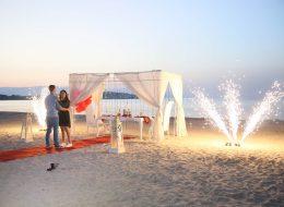 Yer Volkanları ve Havai Fişek Gösterisi ile Kumsalda Evlilik Teklifi İzmir
