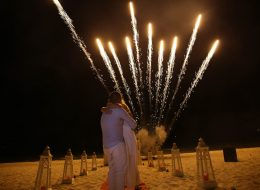 Kumsalda Evlilik Teklifi Organizasyonu Havai Fişek Gösterisi