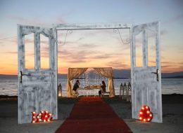 Kumsalda Evlilik Teklifi Organizasyonu Dekoratif Ürün Hizmeti ve Kapı Takı Süsleme İzmir
