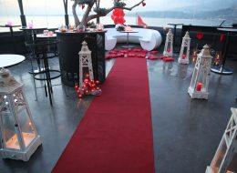 İzmir Restoranda Evlilik Teklifi Organizasyonu Denizci Fenerleri