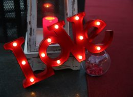 Dekoratif Ürünler ile Süsleme ve Evlilik Teklifi Organizasyonu