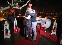 Benimle Evlenir Misin Yazılı Strafor Harfler Evlilik Teklifi Organizasyonu