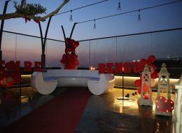 Havai Fişek Gösterisi ile Restoranda Evlilik Teklifi Organizasyonu İzmir