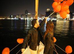 Evlilik Teklifi Organizasyonu Uçan Balonların Gökyüzüne Bırakıldığı An