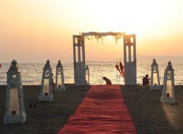 Kumsalda Evlenme Teklifi Organizasyonu Yürüyüş Yolu Süsleme İzmir Organizasyon