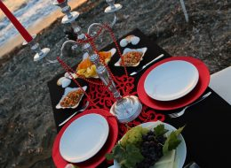 Kumsalda Evlenme Teklifi Organizasyonu Masa Süsleme İzmir Organizasyon