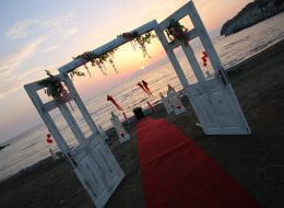 Seferihisar Kumsalda Evlenme Teklifi Organizasyonu Işıl & Onur