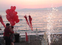 Kumsalda Uçan Balon Süsleme İzmir Organizasyon
