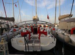 Levent Marina Çıkışlı Teknede Evlilik Teklifi Organizasyonu Kumaş ve Tül Süsleme