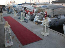 Levent Marina Çıkışlı Teknede Evlilik Teklifi Organizasyonu Yürüyüş Yolu