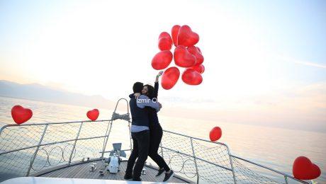 Mutluluk Teknesinde Evlilik Teklifi Organizasyonu Paketi